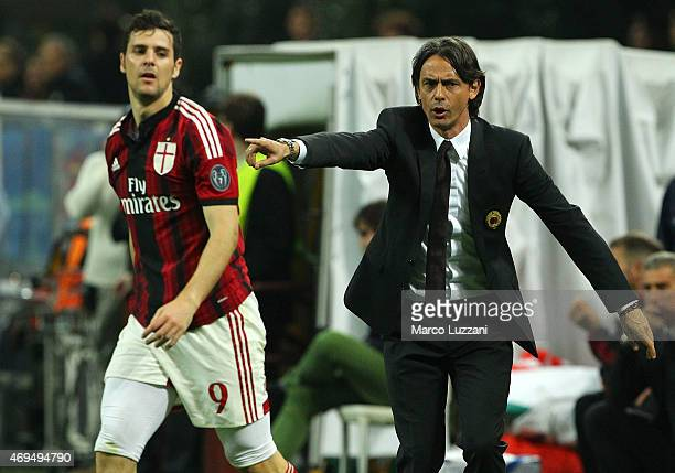 Milan coach Filippo Inzaghi issues instructions to his players during the Serie A match between AC Milan and UC Sampdoria at Stadio Giuseppe Meazza...