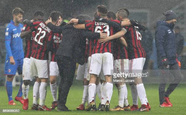 Milan coach Gennaro Gattuso celebrates a victory with his players at the end of the Serie A match between AC Milan and Bologna FC at Stadio Giuseppe...