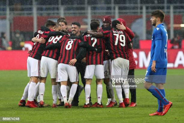 Milan coach Gennaro Gattuso celebrates a victory with his players at the end of the Serie A match between AC Milan and Bologna FC Ac Milan wins 21...