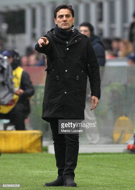 Milan coach Vincenzo Montella gestures during the Serie A match between AC Milan and UC Sampdoria at Stadio Giuseppe Meazza on February 5 2017 in...
