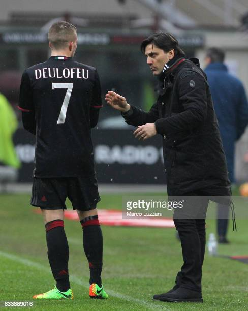 Milan coach Vincenzo Montella issues instructions to his player Gerard Deulofeu during the Serie A match between AC Milan and UC Sampdoria at Stadio...