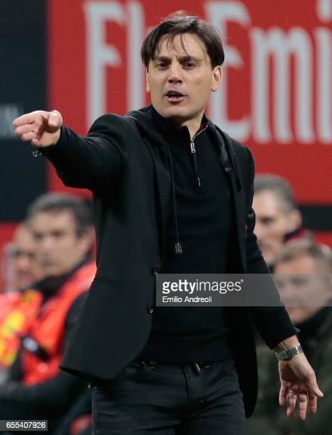 Milan coach Vincenzo Montella issues instructions to his players during the Serie A match between AC Milan and Genoa CFC at Stadio Giuseppe Meazza on...