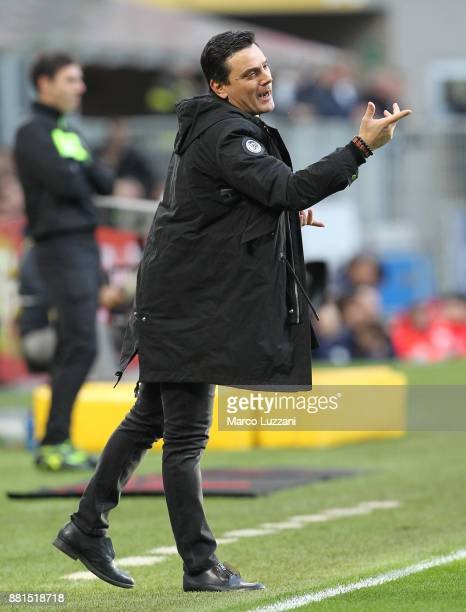 Milan coach Vincenzo Montella issues instructions to his players during the Serie A match between AC Milan and Torino FC at Stadio Giuseppe Meazza on...