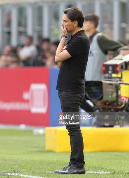 Milan coach Vincenzo Montella looks dejection during the Serie A match between AC Milan and Empoli FC at Stadio Giuseppe Meazza on April 23 2017 in...