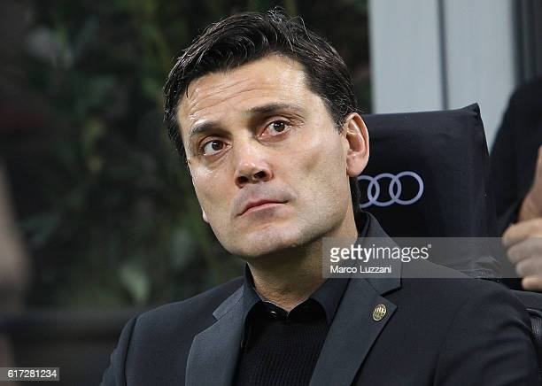 Milan coach Vincenzo Montella looks on before the Serie A match between AC Milan and Juventus FC at Stadio Giuseppe Meazza on October 22 2016 in...