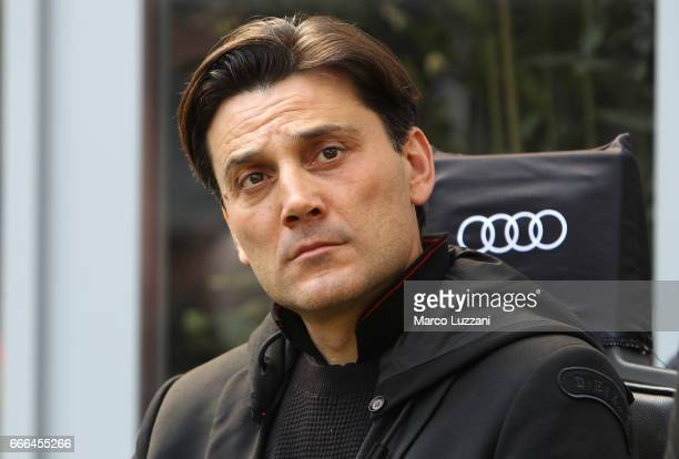 Milan coach Vincenzo Montella looks on before the Serie A match between AC Milan and US Citta di Palermo at Stadio Giuseppe Meazza on April 9 2017 in...
