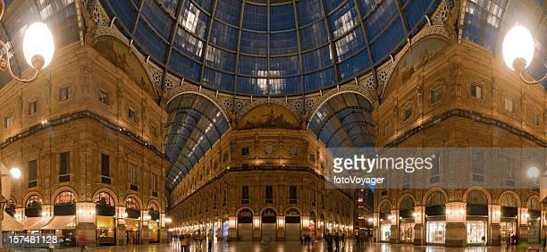 Milan galleria shopping beleuchtet panorama