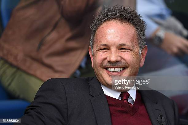 Milan head coach Sinisa Mihajlovic looks on during the Serie A match between Atalanta BC and AC Milan at Stadio Atleti Azzurri d'Italia on April 3...