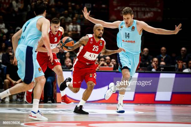 Milan Italy 26th october 2017 Jordan Theodore drives to the basket during a game of Turkish Airlines Euroleague basketball between AX Armani Exchange...