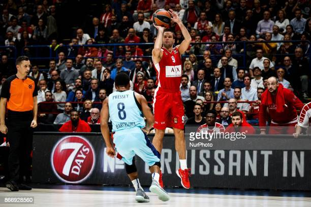 Milan Italy 26th october 2017 Mantas Kalnietis shoots a layup during a game of Turkish Airlines Euroleague basketball between AX Armani Exchange...