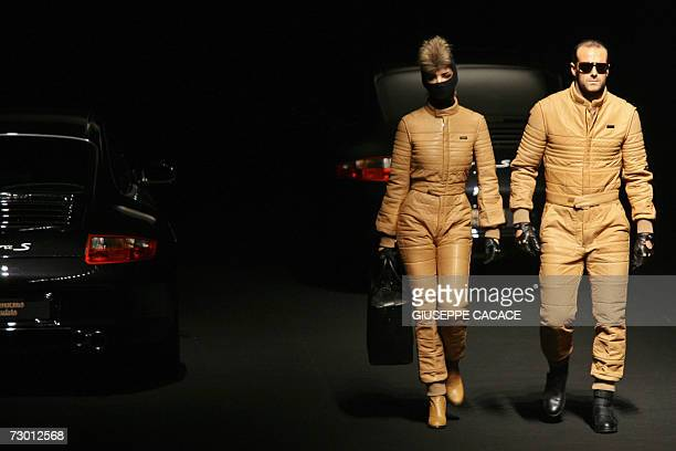 Models display a creation by Dirk Bikkembergs during FallWinter 2007 men's collection of Milan's fashion week 16 January 2007 AFP PHOTO / GIUSEPPE...