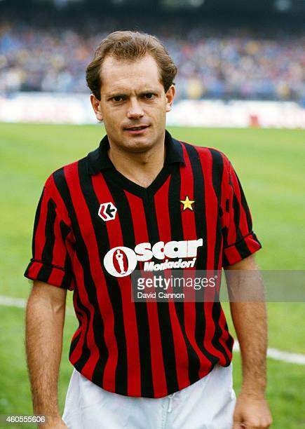 Milan player Ray Wilkins looks on before an Italian League match between Napoli and AC Milan in 1984 in Napoli Italy