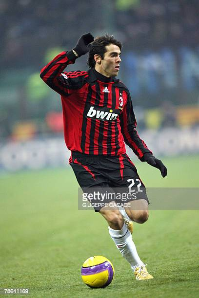 AC Milan's Brazilian midfielder Kaka controls the ball during their 'Serie A' football match Inter vs AC Milan at San Siro Stadium 23 December 2007...