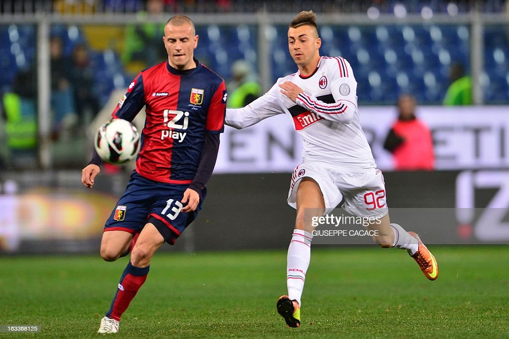 AC Milan's forward Stephan El Shaarawy (R) vies with Genoa's defender Luca Antonelli during the Italian championships Serie A football match Genoa vs AC Milan at the Marazzi Stadium in Genova on March 8, 2013.
