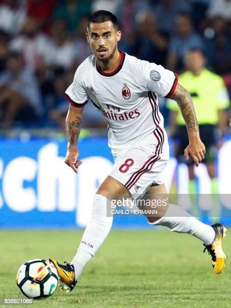 Milan's Italian forward Fernandez Suso controls the ball during the Italian Serie A football match Inter Milan vs Fiorentina at the San Siro stadium...