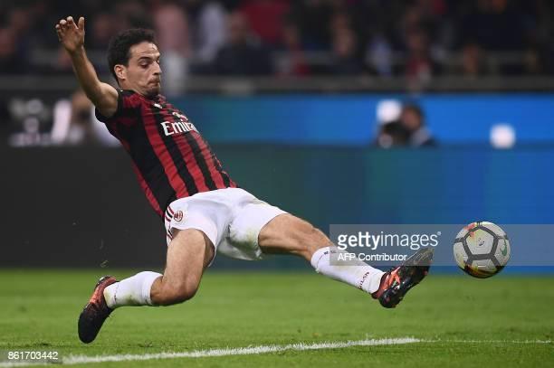 AC Milan's midfielder Giacomo Bonaventura scores during the Italian Serie A football match Inter Milan Vs AC Milan on October 15 2017 at the 'San...