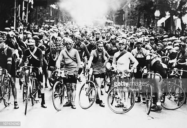 Miles Cross Country Cycle Race At Paris In France