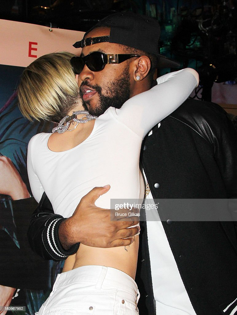 <a gi-track='captionPersonalityLinkClicked' href=/galleries/search?phrase=Miley+Cyrus&family=editorial&specificpeople=3973523 ng-click='$event.stopPropagation()'>Miley Cyrus</a> and Mike WiLL Made It at the <a gi-track='captionPersonalityLinkClicked' href=/galleries/search?phrase=Miley+Cyrus&family=editorial&specificpeople=3973523 ng-click='$event.stopPropagation()'>Miley Cyrus</a> 'Bangerz' Record Release Signing at Planet Hollywood Times Square on October 8, 2013 in New York City.