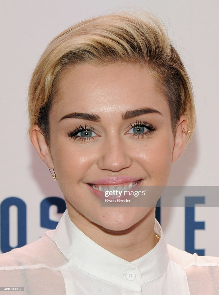 <a gi-track='captionPersonalityLinkClicked' href=/galleries/search?phrase=Miley+Cyrus&family=editorial&specificpeople=3973523 ng-click='$event.stopPropagation()'>Miley Cyrus</a> attends Z100's Jingle Ball 2013, presented by Aeropostale, at Madison Square Garden on December 13, 2013 in New York City.