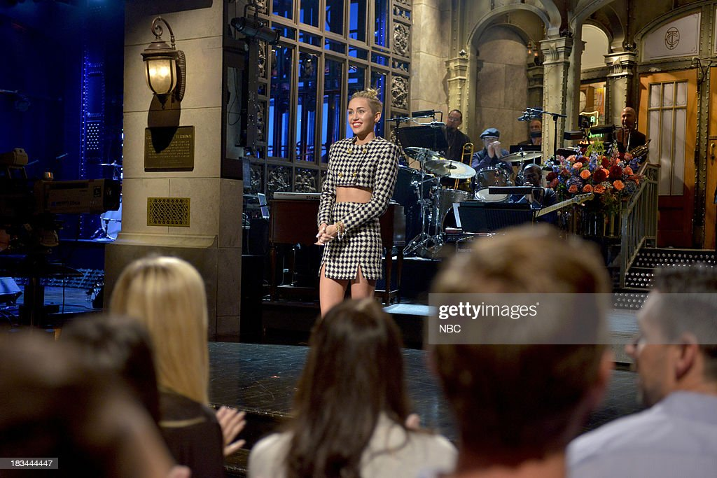 LIVE -- '<a gi-track='captionPersonalityLinkClicked' href=/galleries/search?phrase=Miley+Cyrus&family=editorial&specificpeople=3973523 ng-click='$event.stopPropagation()'>Miley Cyrus</a>' Episode 1643 -- Pictured: <a gi-track='captionPersonalityLinkClicked' href=/galleries/search?phrase=Miley+Cyrus&family=editorial&specificpeople=3973523 ng-click='$event.stopPropagation()'>Miley Cyrus</a> during her monologue --