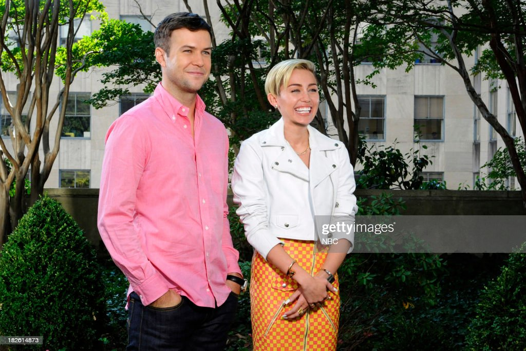 LIVE -- '<a gi-track='captionPersonalityLinkClicked' href=/galleries/search?phrase=Miley+Cyrus&family=editorial&specificpeople=3973523 ng-click='$event.stopPropagation()'>Miley Cyrus</a>' Episode 1643 -- Pictured: (l-r) <a gi-track='captionPersonalityLinkClicked' href=/galleries/search?phrase=Taran+Killam&family=editorial&specificpeople=3798325 ng-click='$event.stopPropagation()'>Taran Killam</a>, <a gi-track='captionPersonalityLinkClicked' href=/galleries/search?phrase=Miley+Cyrus&family=editorial&specificpeople=3973523 ng-click='$event.stopPropagation()'>Miley Cyrus</a> --