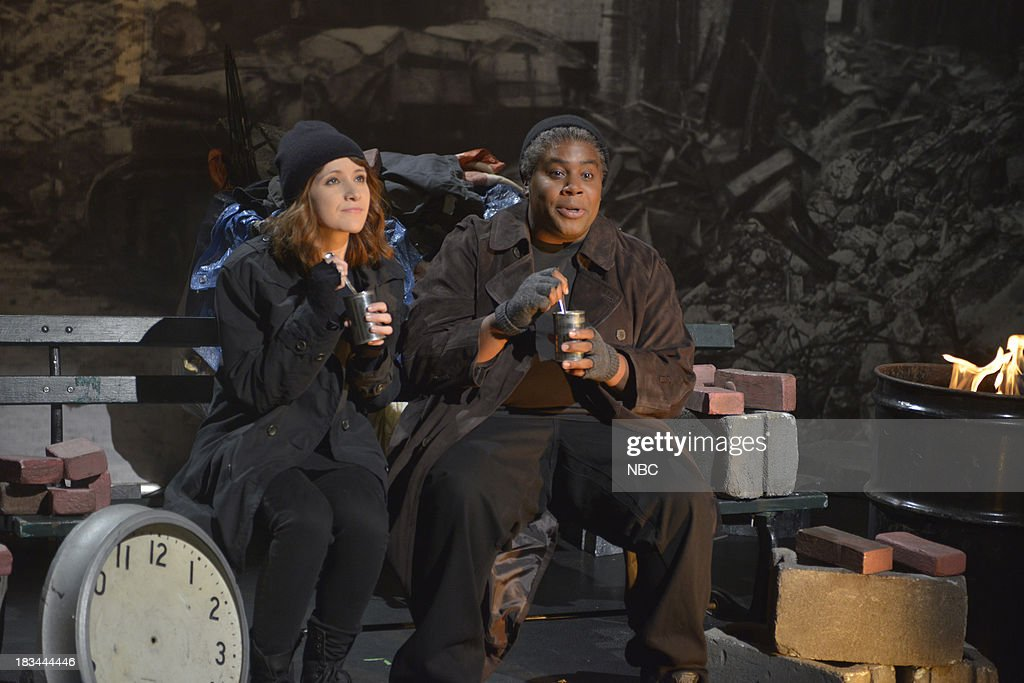 LIVE -- 'Miley Cyrus' Episode 1643 -- Pictured: (l-r) Unknown, Kenan Thompson as Papa Joe during the 'New York City, 2045' opening sketch --
