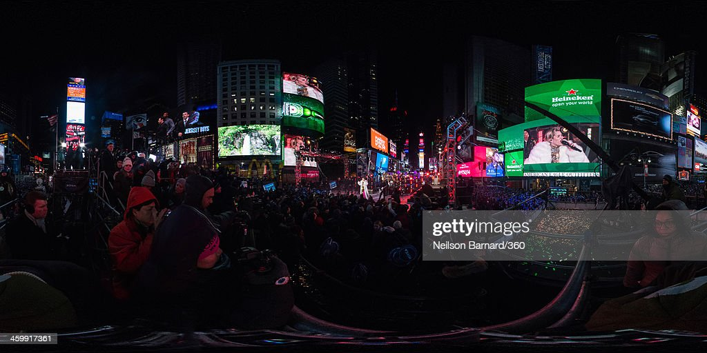 Miley Cyrus peforms on stage during The New Year's Eve 2014 Celebration in Times Square on December 31, 2013 in New York City.