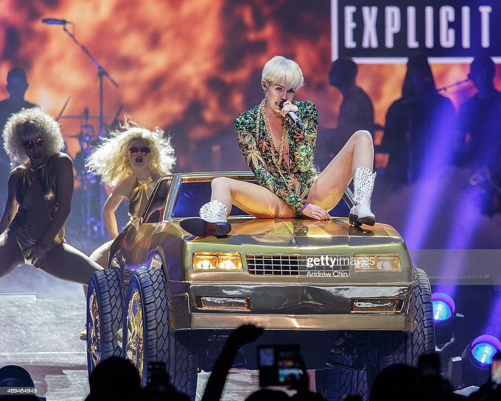 <a gi-track='captionPersonalityLinkClicked' href=/galleries/search?phrase=Miley+Cyrus&family=editorial&specificpeople=3973523 ng-click='$event.stopPropagation()'>Miley Cyrus</a> performs at Pepsi Live at Rogers Arena on February 14, 2014 in Vancouver, Canada.