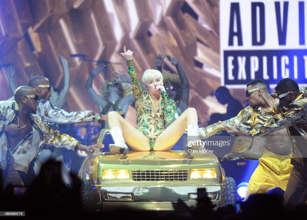 Miley Cyrus performs at Philips Arena on March 25 2014 in Atlanta Georgia