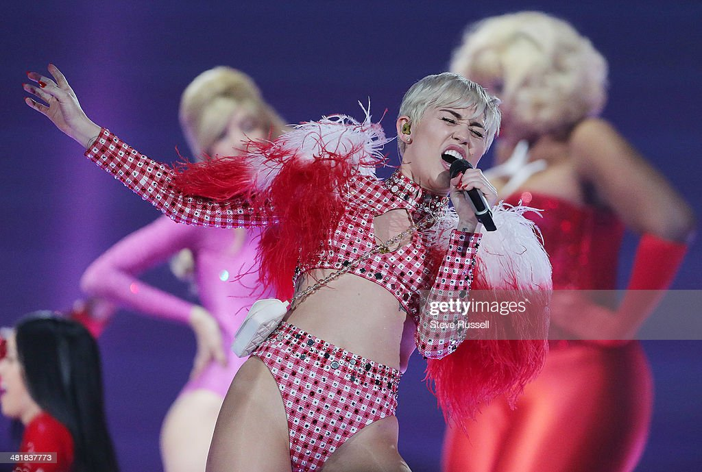 TORONTO, ON- MARCH 31 - Miley Cyrus performs Bangerz tour at the Air Canada Centre in Toronto. March 31, 2014.