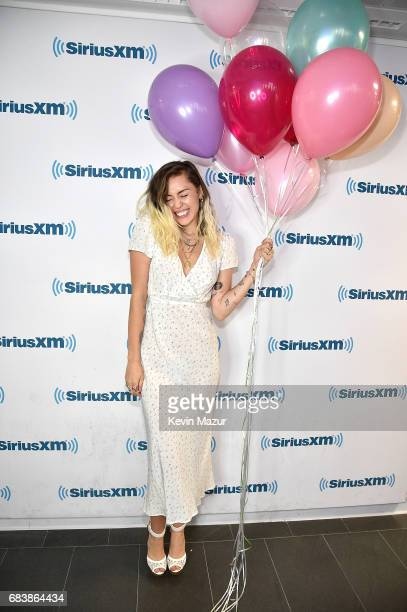 Miley Cyrus poses at SiriusXM Studios on May 16 2017 in New York City