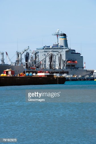 Military ships at a commercial dock, Pearl Harbor, Honolulu, Oahu, Hawaii Islands, USA : Foto de stock