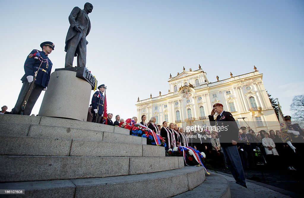 A military veteran Milos Matousek salutes after laying a wreath under the statue of the first President of Czechoslovakia Tomas Masaryk during a ceremony to mark Czechoslovak Independence Day on October 28, 2013 in Prague, Czech Republic. The Czech Republic is marking the 95th anniversary of the creation of an independent Czechoslovak nation in 1918.