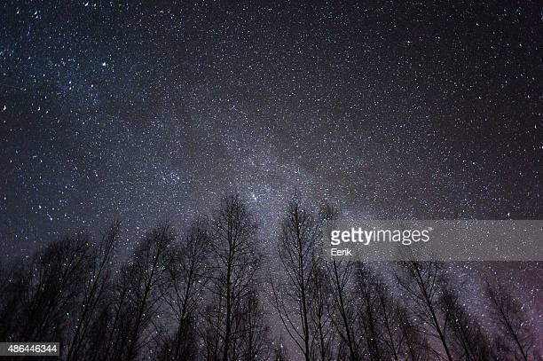 Milchstraße und Sternen