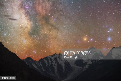 Milky way over mountains : Stock Photo