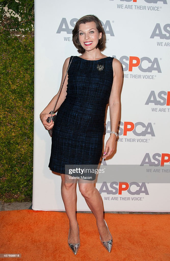 Milla Jovovich arrives at the ASPCA event Honoring Kaley Cuoco-Sweeting And Nikki Reed on October 22, 2014 in Belair, California.