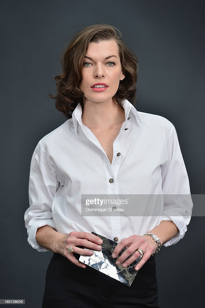 <a gi-track='captionPersonalityLinkClicked' href=/galleries/search?phrase=Milla+Jovovich&family=editorial&specificpeople=202207 ng-click='$event.stopPropagation()'>Milla Jovovich</a> attends the Chanel Fall/Winter 2013 Ready-to-Wear show as part of Paris Fashion Week at Grand Palais on March 5, 2013 in Paris, France.