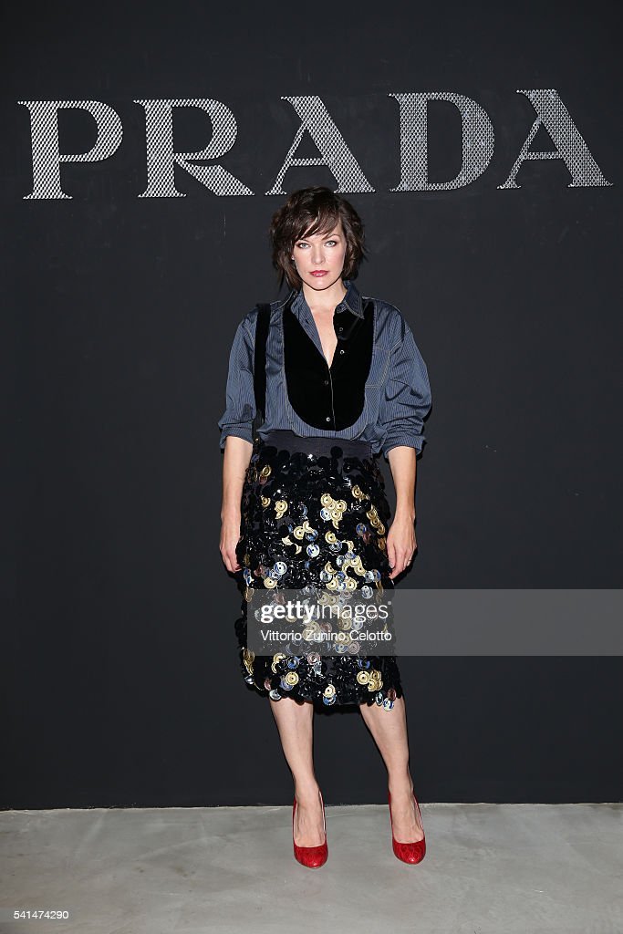 <a gi-track='captionPersonalityLinkClicked' href=/galleries/search?phrase=Milla+Jovovich&family=editorial&specificpeople=202207 ng-click='$event.stopPropagation()'>Milla Jovovich</a> attends the Prada show during Milan Men's Fashion Week SS17 on June 19, 2016 in Milan, Italy.