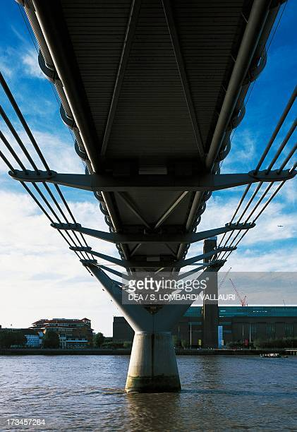 Millenium Bridge design by Norman Foster and Sir Anthony Caro London UK
