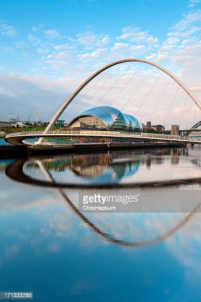Gateshead Millennium Bridge, Newcastle-Upon-Tyne