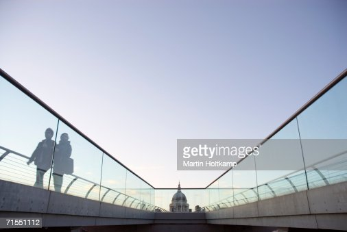 Millennium Bridge leading to St. Paul?s Cathedral, London, England