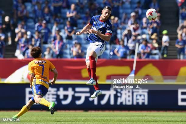 Milos Degenek of Yokohama FMarinos heads the ball during the JLeague J1 match between Yokohama FMarinos and Vegalta Sendai at Nissan Stadium on May...