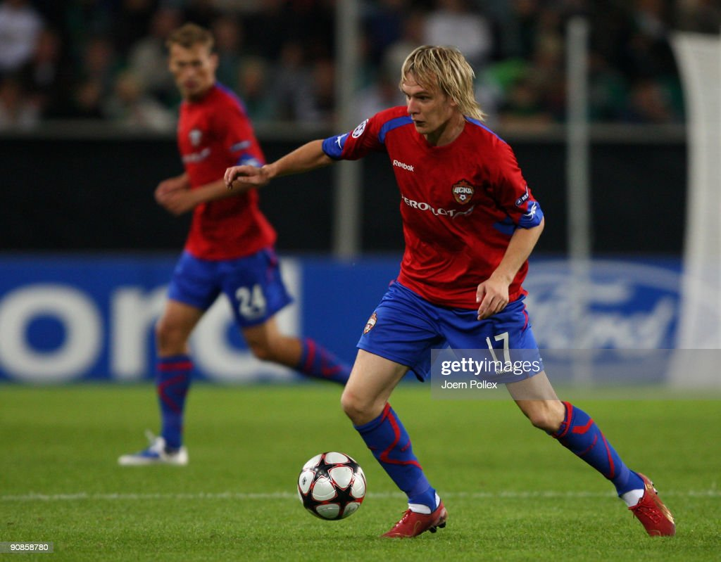 Milos Krasic of Moscow plays the ball during the UEFA Champions League Group B match between VfL Wolfsburg and CSKA Moscow at Volkswagen Arena on September 15, 2009 in Wolfsburg, Germany.