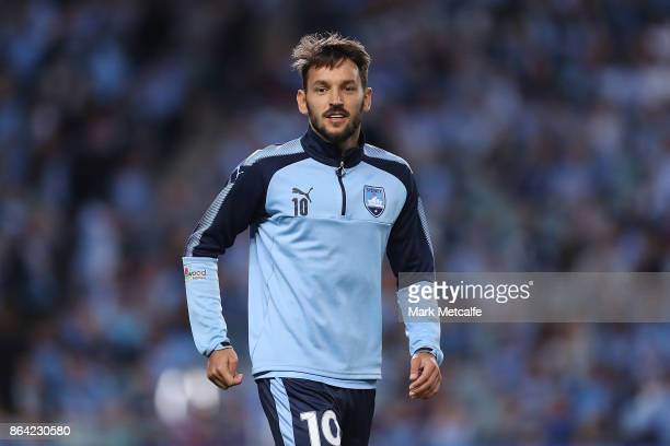 Milos Ninkovic of Sydney FC warms up before the round three ALeague match between Sydney FC and the Western Sydney Wanderers at Allianz Stadium on...