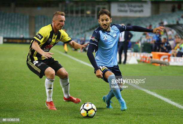 Milos Ninkovic of Sydney in action during the round two ALeague match between Sydney FC and the Wellington Phoenix at Allianz Stadium on October 15...