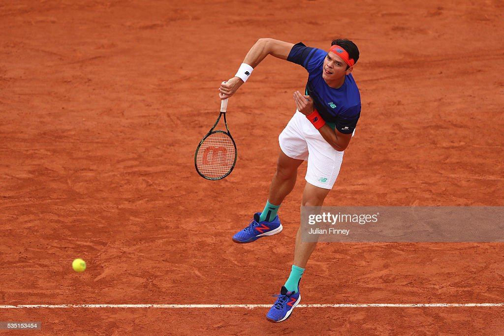 <a gi-track='captionPersonalityLinkClicked' href=/galleries/search?phrase=Milos+Raonic&family=editorial&specificpeople=5421226 ng-click='$event.stopPropagation()'>Milos Raonic</a> of Canada serves during the Men's Singles fourth round match against Alberto Ramos Vinolas of Spain on day eight of the 2016 French Open at Roland Garros on May 29, 2016 in Paris, France.