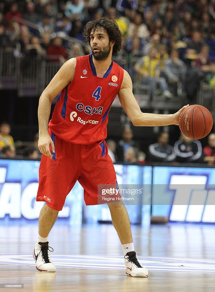<a gi-track='captionPersonalityLinkClicked' href=/galleries/search?phrase=Milos+Teodosic&family=editorial&specificpeople=4453210 ng-click='$event.stopPropagation()'>Milos Teodosic</a>, #4 of CSKA Moscow in action during the 2012-2013 Turkish Airlines Euroleague Top 16 Date 2 between Alba Berlin v CSKA Moscow at O2 World Arena on January 4, 2013 in Berlin, Germany.