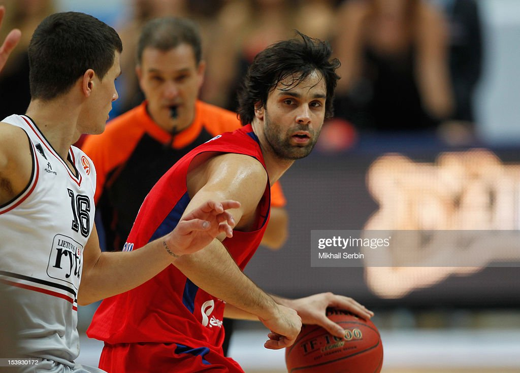 <a gi-track='captionPersonalityLinkClicked' href=/galleries/search?phrase=Milos+Teodosic&family=editorial&specificpeople=4453210 ng-click='$event.stopPropagation()'>Milos Teodosic</a> #4 of CSKA Moscow in action during the 2012-2013 Turkish Airlines Euroleague Regular Season Game Day 1 between CSKA Moscow and Lietuvos Rytas at Megasport Sports Palace on October 11, 2012 in Moscow, Russia.