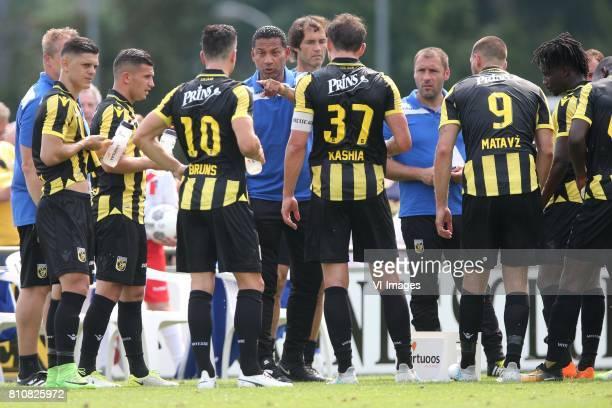 Milot Rashica of Vitesse Bryan Linssen of Vitesse Thomas Bruns of Vitesse coach Henk Fraser of Vitesse Guram Kashia of Vitesse Fankaty Dabo of...