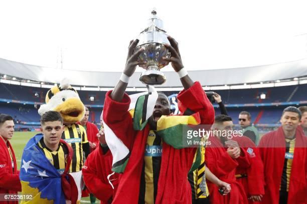 Milot Rashica of Vitesse Marvelous Nakamba of Vitesse Adnane Tighadouini of Vitesse Yuning Zhang of Vitesse with KNVB Beker Dutch Cupduring the Dutch...